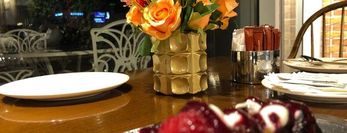 La Terrasse Cafe is one of Gespeicherte Orte von MAQ.