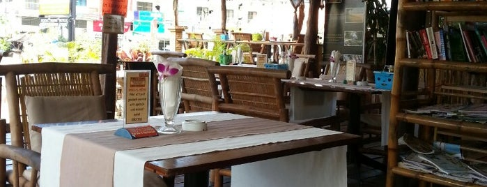 Tiffy's Café is one of Orte, die Karina gefallen.