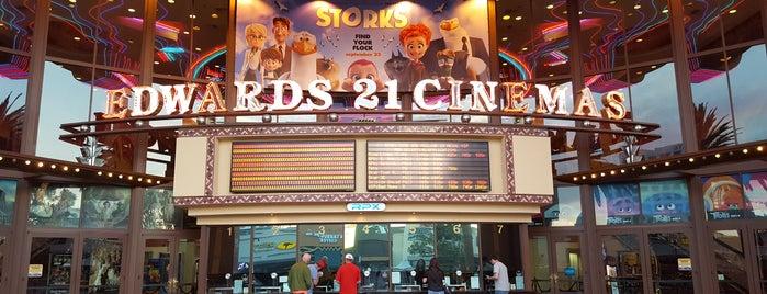 Edwards Irvine Spectrum 21 IMAX & RPX is one of Leonardoさんのお気に入りスポット.