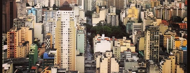 Edifício Itália is one of สถานที่ที่ Tuba ถูกใจ.