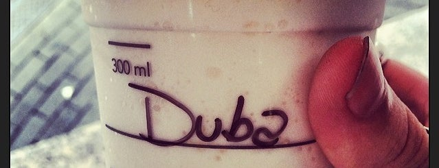 Starbucks is one of Lieux qui ont plu à Tuba.