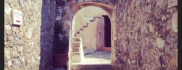 Preveli Monastery is one of สถานที่ที่ Olga ถูกใจ.