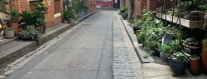 Brick Lane is one of Locais curtidos por Marc.