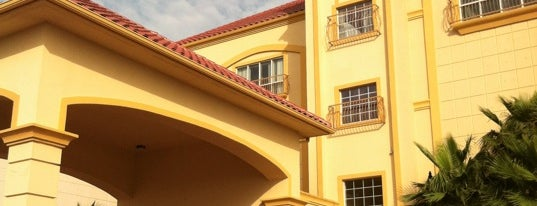 La Quinta Inn & Suites South Padre Island is one of Posti che sono piaciuti a Kim.
