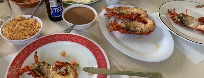 Puerto Nuevo #1 Restaurant is one of Lugares favoritos de Yanira.