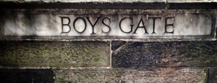 Central Park - Boys' Gate is one of Lieux qui ont plu à Erdem.