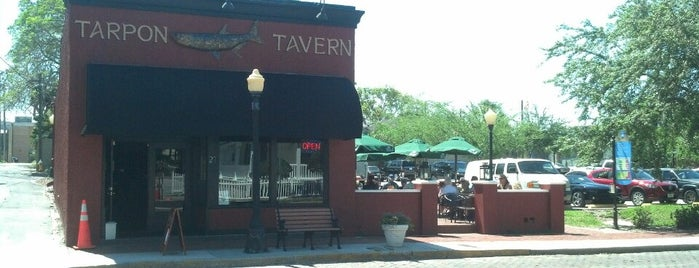 Tarpon Tavern is one of Lugares favoritos de kerry.