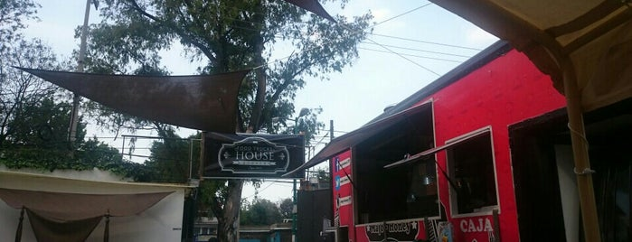 Food Trucks House Coyoacán is one of Luis'in Beğendiği Mekanlar.