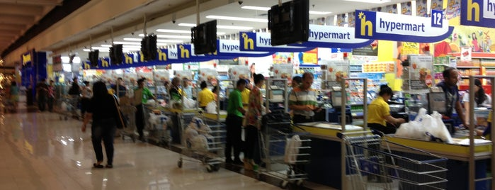 hypermart is one of Orte, die Tony gefallen.