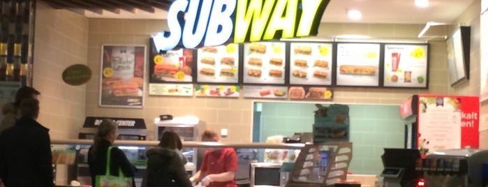 SUBWAY is one of Orte, die Oleksandr gefallen.