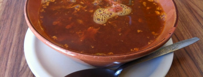 Birria y Mixiotes Jalisco is one of Jocelynさんのお気に入りスポット.