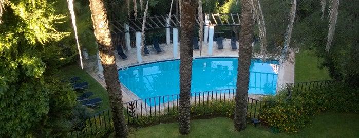 Swimming pool is one of Julia 님이 좋아한 장소.