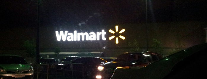Walmart is one of Locais curtidos por René.