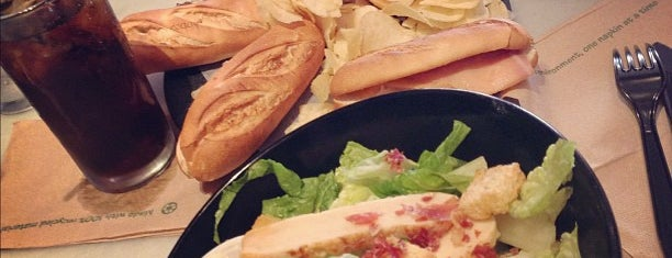 100 Montaditos is one of Miami Must Visit.