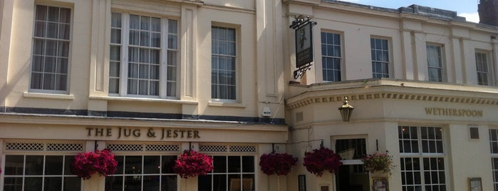 Jug and Jester (Wetherspoon) is one of Orte, die Carl gefallen.