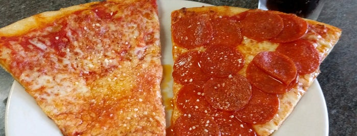 Jack's Pizzeria & Italian Restaurant is one of Best Slices Pizza Delray Beach.