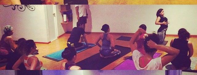 Shanti Yoga & Reiki is one of Orte, die Marcela gefallen.