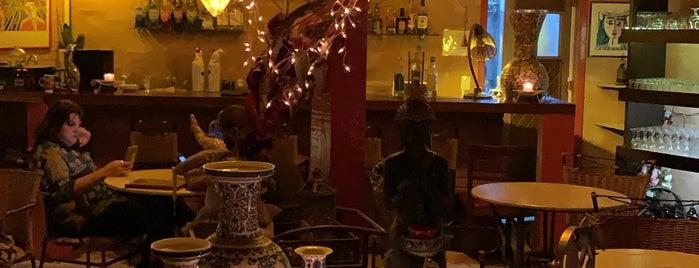 Restaurante Shangri La is one of Tempat yang Disimpan Tatiana.