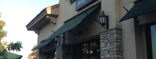 Starbucks is one of Orte, die Karenka gefallen.