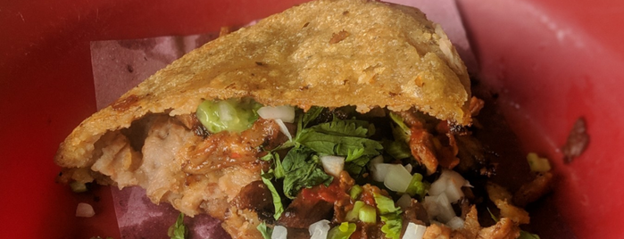 Gorditas y Carnitas Zacazonapan is one of Alejandro 님이 좋아한 장소.