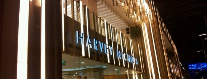 Harvey Nichols is one of Angel 님이 좋아한 장소.