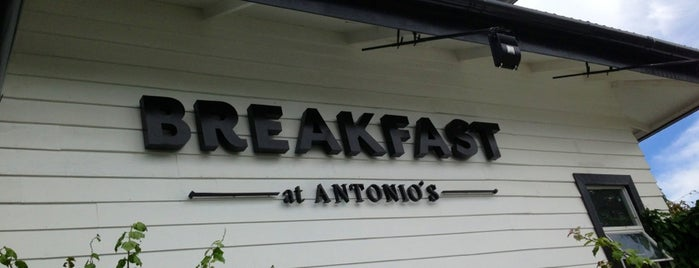 Breakfast at Antonio's is one of Posti che sono piaciuti a Fidel.