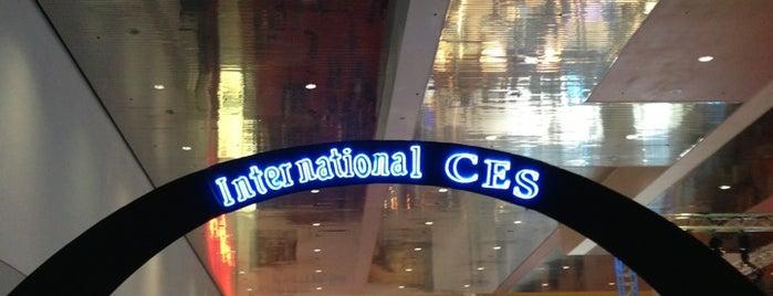 Central Hall is one of Nina : понравившиеся места.
