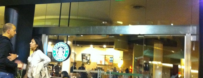 Starbucks is one of Lieux qui ont plu à Jimmy.