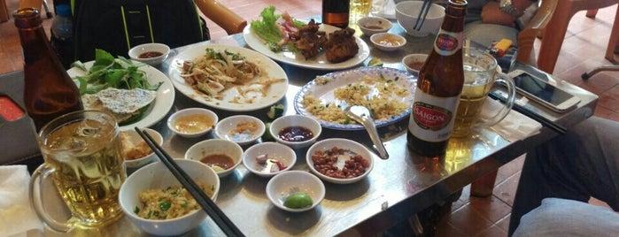 Quán 49 Bò Nướng Y is one of ăn hàng.