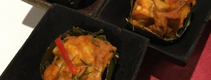 Malis Restaurant is one of Locais curtidos por Yvonne.
