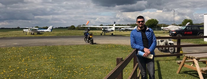 Andrewsfield Aviation is one of Lugares favoritos de Carl.