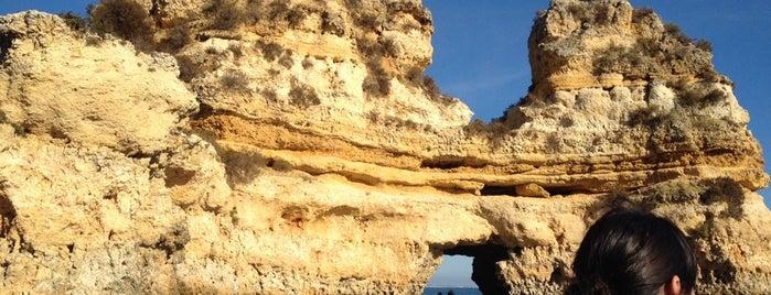 Atlantic Ocean is one of Algarve.