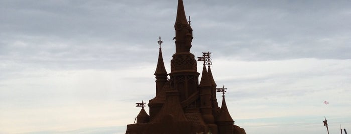 Disneyland Paris Sand Magic is one of Lugares favoritos de Nathalie.