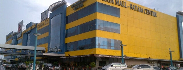 Mega Mall Batam Centre is one of Locais curtidos por Uda Aank.