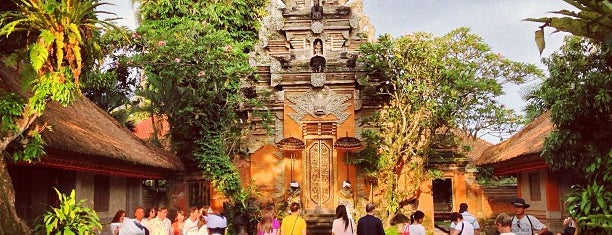 Puri Saren Ubud (Ubud Palace) is one of pick up.