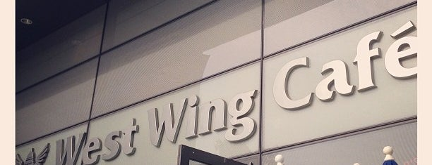 West Wing Cafe is one of Orte, die Mike gefallen.