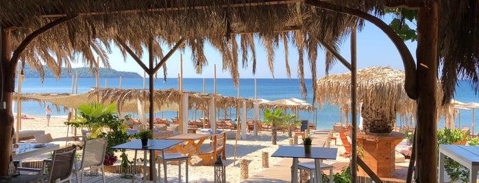 Oasis Beach Bar is one of Jovana'nın Beğendiği Mekanlar.