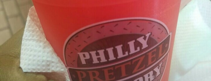 Philly Pretzel Factory is one of Locais curtidos por Mickey.