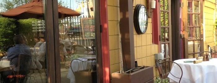 Paesano Italian Restaurant and Wine Bar is one of Lugares favoritos de Jason.