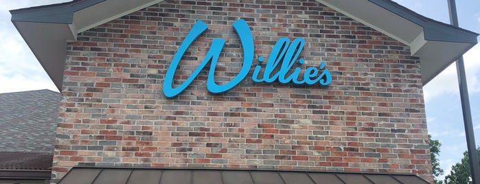 Willie's Restaurant & Bar is one of Lieux qui ont plu à SooFab.