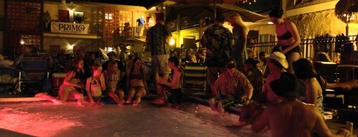 Tiki Caliente 5 is one of Joshua Tree and Palm Springs.