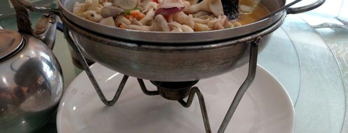 Restaurante Hwang Shi Fu Cai Quang is one of George 님이 저장한 장소.