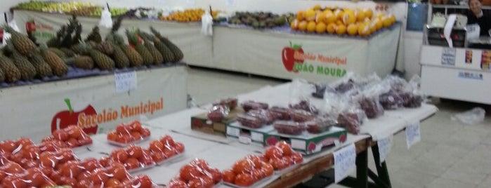 Sacolão João Moura is one of Vegetariano.