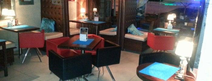 Saint Thomas Coffee & Bistro Bar is one of Restaurantes & Bares.
