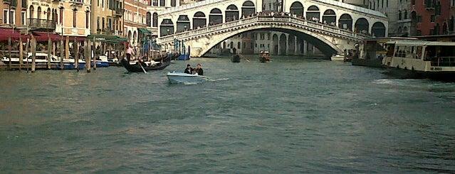 เวนิส is one of Italian Cities.