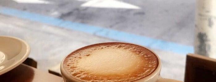 Victoria Bakery is one of Melhores Confeitarias, Padarias, Cafés do RJ.