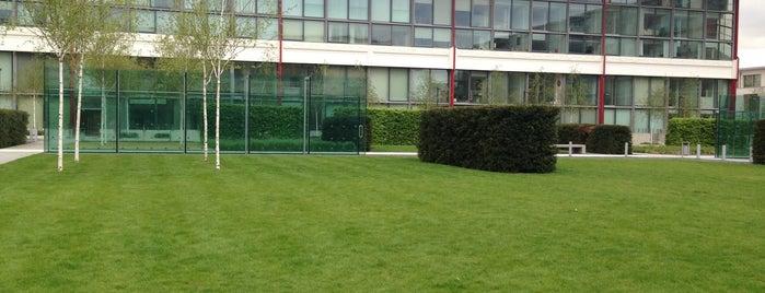 Highbury Square is one of Lugares favoritos de Davide.