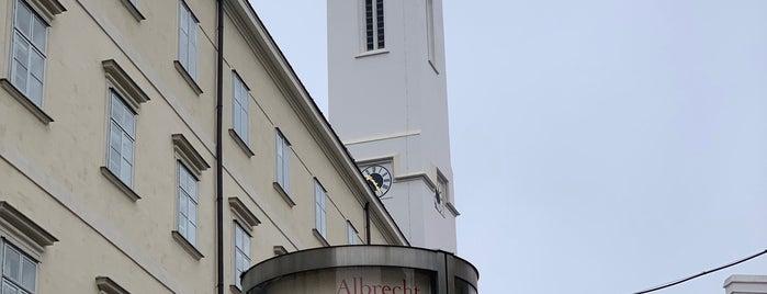 Österreichisches Filmmuseum is one of Alternative Lokale In Wien.