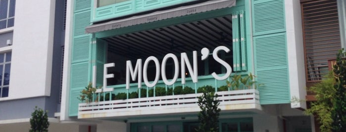 Le Moon's is one of Coffee, Tea or B.
