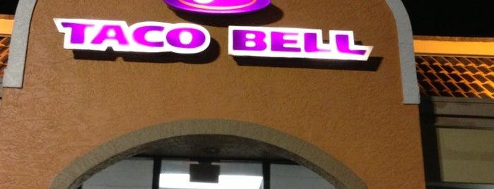 Taco Bell is one of Locais curtidos por Lee.